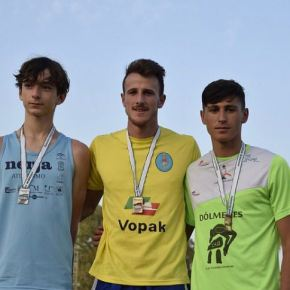Cándido Gómez Campeón de Andalucía Absoluto en Salto deAltura